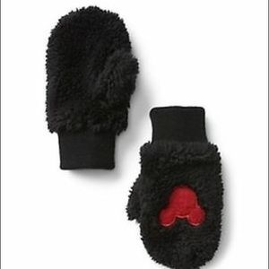 NWT Baby gap  Disney Mickey Mouse mittens
